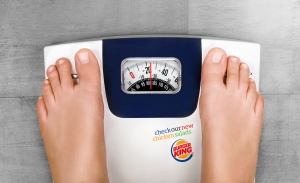burger-king-new-chicken-salads-outdoor-print-377629-adeevee